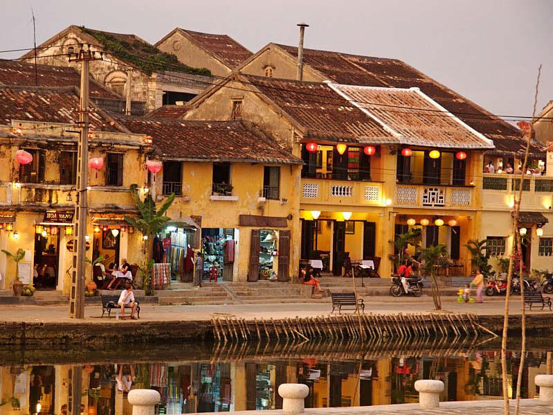 Walking through ancient streets in Vietnam cheap tour