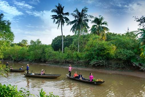 4 days to explore Sai Gon and Mekong delta with please tour