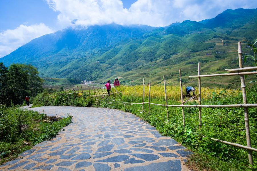 7-day friendly Vietnam tour in trekking and boating