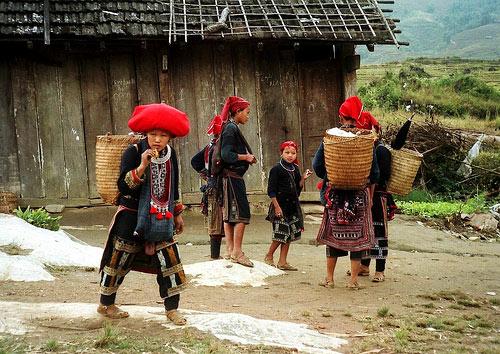 Coc Ly market of ethnic minorities with Vietnam please tour