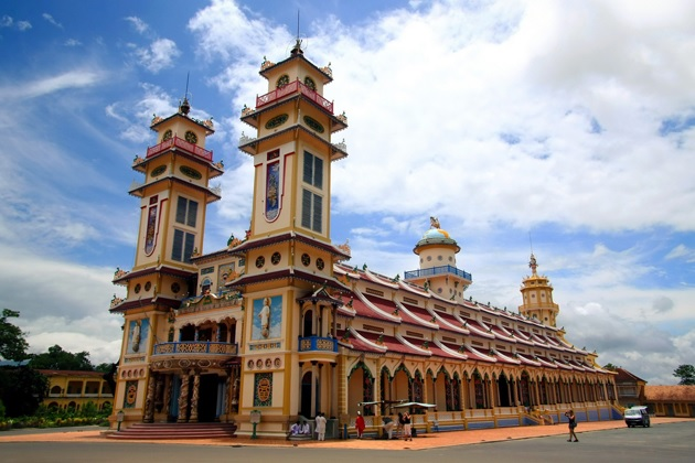 Experience Sai Gon and surroundings with Vietnam please tour
