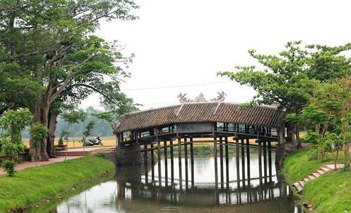 9 days visit Vietnam at a glance in 3 regions