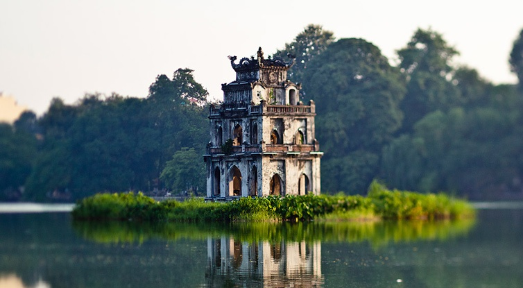 Passing 3 regions in package tour to Vietnam (promotion)